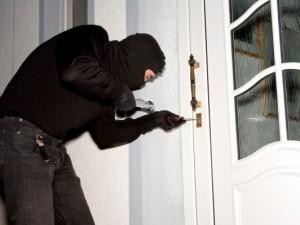 ¿Qué hacer si se mete un ladrón en casa?