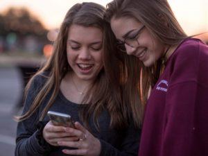Cómo mantener a los adolescentes seguros en la red